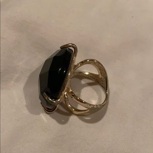 Kendra Scott gold and black costume ring. Size 8